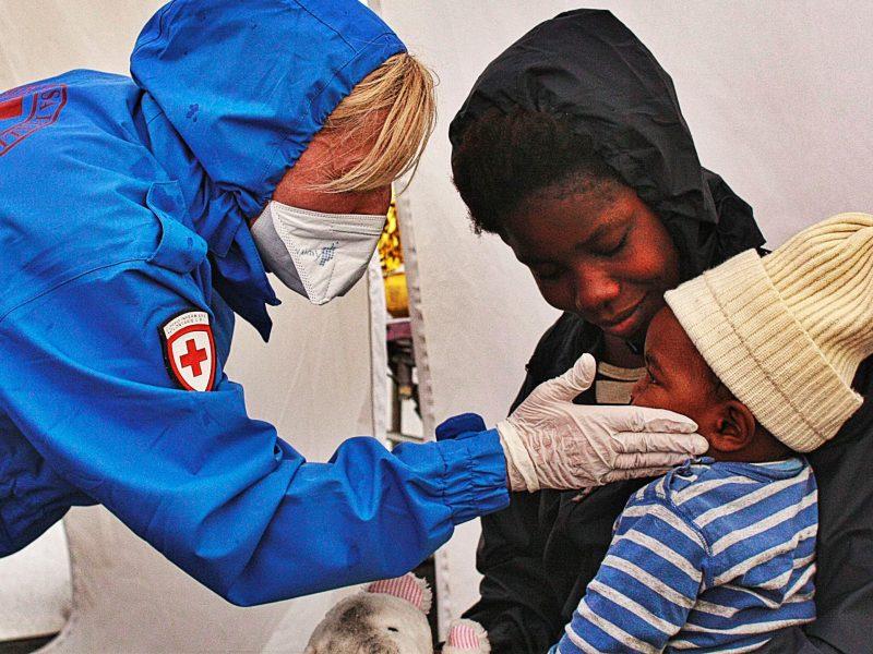 """""""Dal COVID-19, insieme verso il futuro"""": Accesso al vaccino per tutti"""