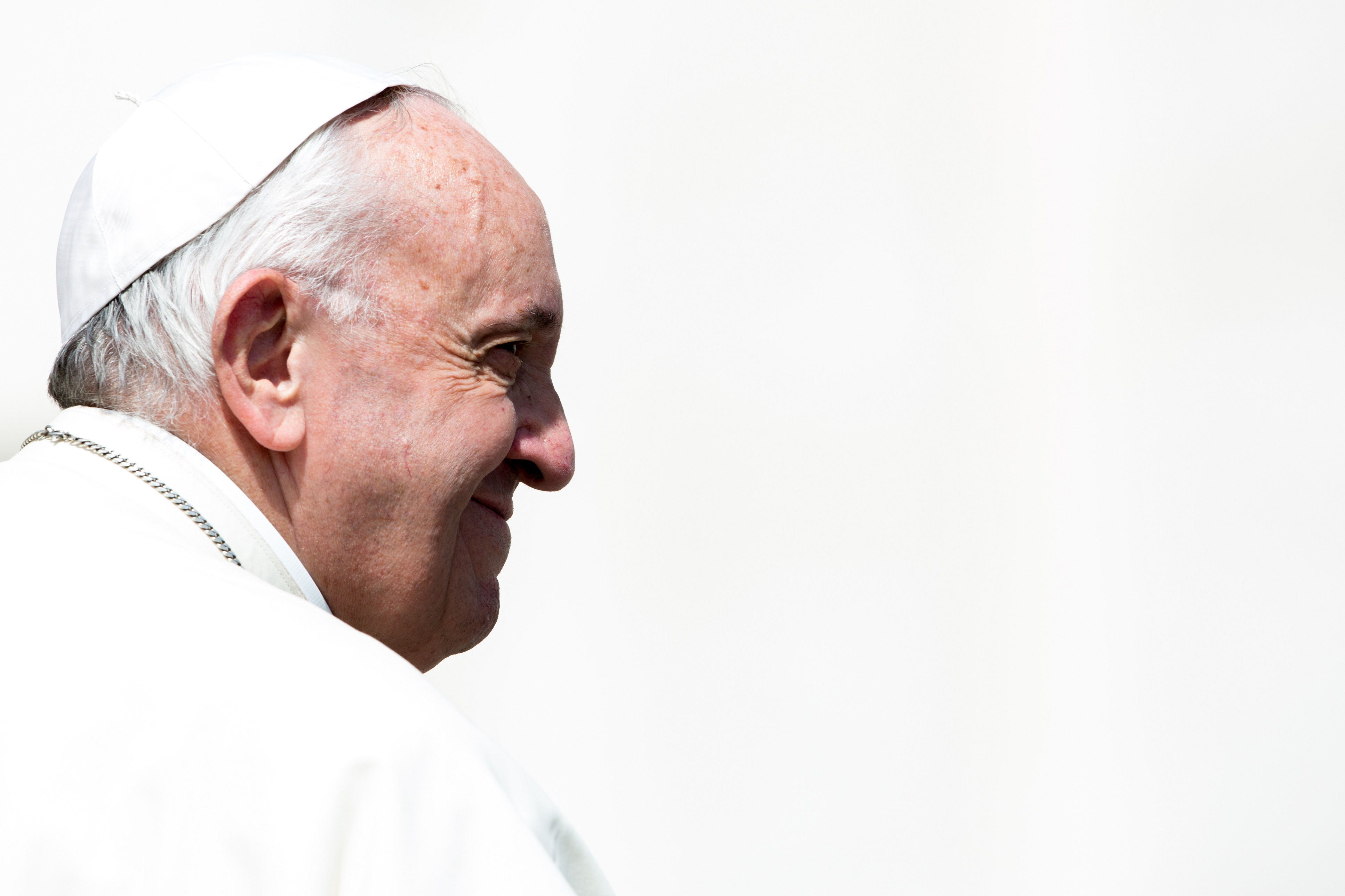 pope francis smile Migrants and Refugees